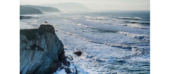 Euskal Herrian surf egiteko 5 leku ikusgarrienak